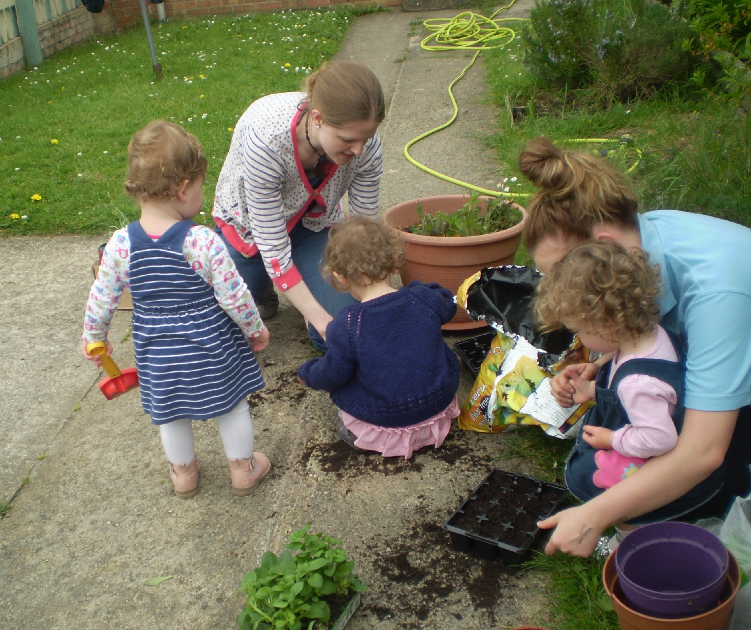 Parents helping in the garden, Calne, May 2016